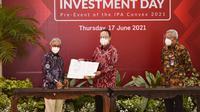 Penyerahan surat persetujuan pemerintah tersebut dilaksanakan Kepala SKK Migas Dwi Sucipto kepada Direktur Utama PHI, Chalid Said Salim, dalam acara Oil & Gas Investment Day, Kamis, 17 Juni 2021. Dok PHM