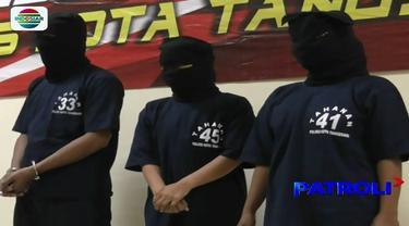 Dua ibu rumah tangga dan seorang pria diamankan petugas di Tangerang, Banten, lantaran terlibat dalam kasus peredaran uang palsu.