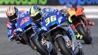 Pembalap Suzuki, Joan Mir, menjadi juara di MotoGP Eropa yang berlangsung di Sirkuit Ricardo Tormo, Valencia, Minggu (8/11/2020). (AFP/Jose Jordan)