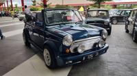 MINI Cabriolet 1993, mobil ini hanya ada 1 unit di Indonesia. (Herdi Muhardi)