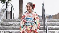 Rossa mengenakan kimono jenis Furisode saat liburan ke Jepang (Dok.Instagram/@itsrossa91/https://www.instagram.com/p/BshHwdlAwA4/Komarudin)