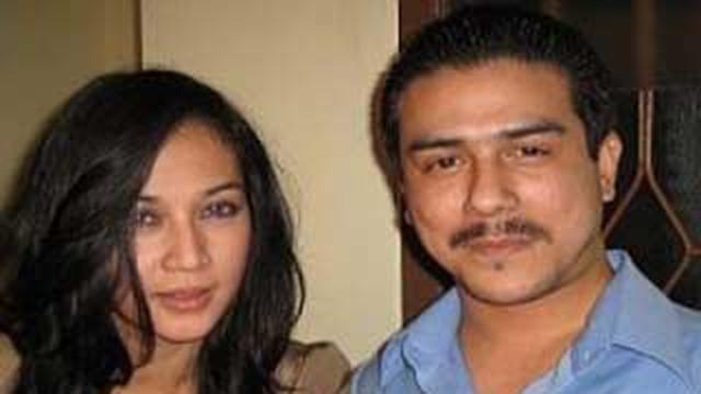Dina Lorenza dan Gathan Saleh Halibi.