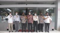 Kapolda Sulut Irjen Pol RZ Panca Putra mendatangi Kantor BPK Perwakilan Sulut terkait dugaan kasus korupsi di Minahasa Utara.