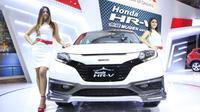 Honda menampilkan 11 mobil display yang dipamerkan di booth pada Pameran Otomotif Medan (POM) 2015.