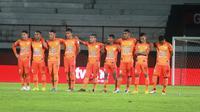 Persiraja Banda Aceh bertekad menyingkirkan Sriwijaya FC pada perebutan tiket terakhir ke Liga 1 pada laga di Stadion Kapten I Wayan Dipta Gianyar, Bali, Senin (25/12/2019). (Bola.com/Gatot Susetyo)