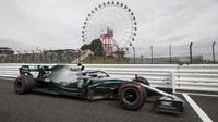 Pembalap Mercedes Valtteri Bottas pada sesi latihan bebas F1 GP Jepang di Sirkuit Suzuka, Jumat (11/10/2019). (AFP/Behrouz Mehri)