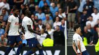 Penyerang Tottenham Hotspur, Son Heung-min, melakukan selebrasi usai membobol gawang Manchester City dalam laga perdana Liga Inggris 2021/2022, Minggu (16/8/2021). (AP Photo/Ian Walton)