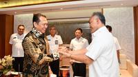 Bamsoet saat menerima Kepala BNN Heru Winarko, di Ruang Kerja Ketua MPR RI, Jakarta, Rabu (20/11).