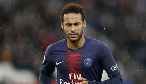 3. Neymar (Paris Saint-Germain) - Neymar pernah meraih Sepatu Emas Liga Champions 2015 saat masih berseragam Barcelona. Ketika itu, Neymar mencetak 10 gol dan bersanding dengan Cristiano Ronaldo dan Lionel Messi sebagai pemain tersubur. (AFP/Lionel Bonaventure)