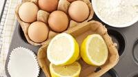 Rawat rambut Anda dengan bahan-bahan alami yang terbuat dari telur dan lemon. (Foto: yippiechef.com)