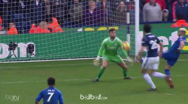 Riyad Mahrez mencetak satu gol dan satu assist saat Leicester City hadapi West Brom. This video is presented by Ballball.