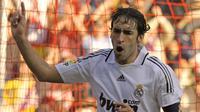 3. Raul Gonzalez (71 gol) - Legenda Real Madrid ini memiliki ketajaman luar biasa dalam mencetak gol. Raul Gonzales tercatat memiliki koleksi 71 gol di Liga Champions dari penampilannya bersama Real Madrid dan Schalke. (AFP/Miguel Riopa)