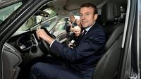 Emmanuel Macron dan Renault Espace  (Carscoops)