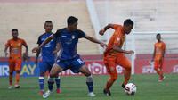 Duel Persiraja Banda Aceh Vs Mitra Kukar pada babak 8 besar Liga 2 2019 di Stadion Gelora Delta, Sidoarjo, Sabtu (9/11/2019). (Bola.com/Aditya Wany)