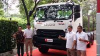 PT Isuzu Astra Motor Indonesia (IAMI) mengawali 2019 dengan memperkenalkan new Isuzu GIGA Tractor Head. (Ikbal/Otosia.com)