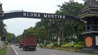 Pemerintah secara serentak menyalurkan bantuan untuk warga terdampak Covid-19, termasuk di Kabupaten Blora, Jawa Tengah. (Liputan6.com/ Ahmad Adirin)