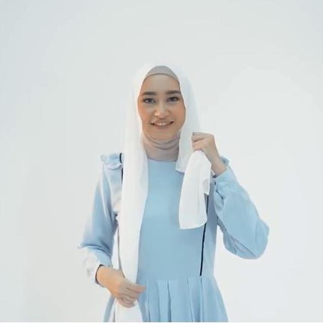 Tutorial Hijab Pashmina Bordir Untuk Lebaran 2019 Ramadan Liputan6 Com