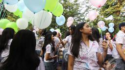 Tingkat kelulusan Ujian Nasional (UN) jenjang SMA/MA tahun 2014 mencapai 99,52 % dari total peserta UN SMA/MA yang berjumlah 1.632.757 siswa (Liputan6.com/Faizal Fanani)