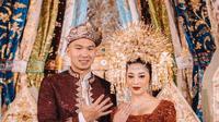 Nikita Willy dan Indra Priawan usai akad nikah (Dok.Instagram/@thebridestory/https://www.instagram.com/p/CGY7b5pHekL/Komarudin)