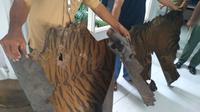 Mako SPORC Brigade Macan Tutul menangkap seorang warga Langkat yang memperjualbelikan kulit harimau sumatra. (Liputan6.com/ Reza Perdana)