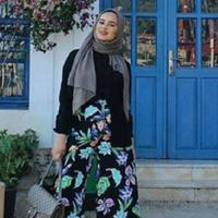Biar semakin stunning, tipe celana ini yang buat hijabers terlihat lebih attractive. (Sumber foto: hijabhills/instagram)
