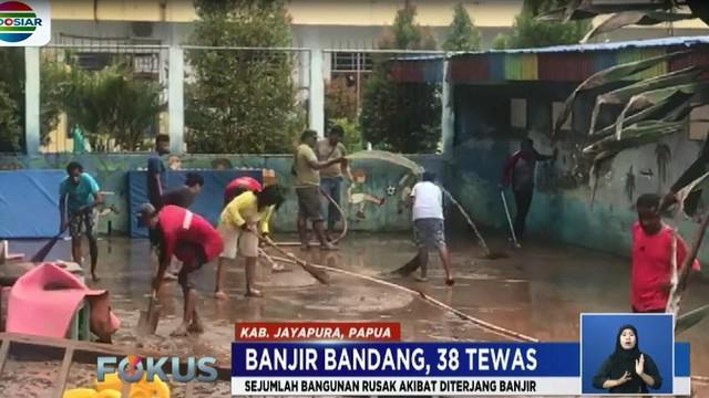 Korban tewas ditemukan di kawasan yang diterjang banjir bandang di Kemiri, Komba, dan Perumahan Bintang Timur yang berada di Kaki Gunung Siklop.