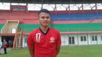 Muhammad Dimas Drajad di markas baru PS Tira, Stadion Sultan Agung, Bantul. (Bola.com/Ronald Seger)