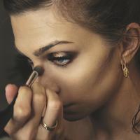 ilustrasi Jenis dan Fungsi Kuas untuk Makeup/unsplash