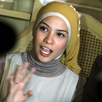 Rachel Maryam merupakan anggota DPR dari Partai Gerindra untuk Daerah Pemilihan Jawa Barat II.