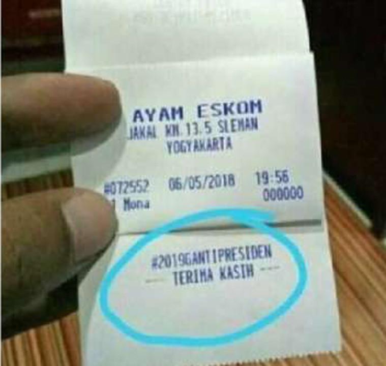 Struk atau nota pembayaran salah satu restoran di Yogyakarta yang bertagar 2019 Ganti Presiden. (Foto: Istimewa/Twitter/Solopos.com)