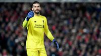 4. Alisson Becker (Liverpool) - Overall 87 (Naik 2 Poin). (AFP/Paul Ellis)