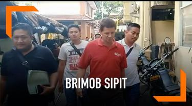 Polisi menangkap seorang WNA Jerman bernama Jerry D Gray karena dianggap menyebarkan video provokatif dan hoaks tentang anggota Brimob yang diimpor dari China.