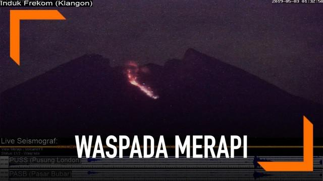 Gunung Merapi kembali mengeluarkan lava pijar. Aliran lava mengarah ke hulu kali Gendol.