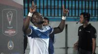 Gelandang PSIS, Ibrahim Conteh, akan dilepas oleh klubnya karena performa yang menurun. (Bola.com/Vincentius Atmaja)