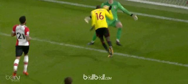 Berita video laga dramatis Watford vs Southampton di Premier League 2017-2018. This video presented by BallBall.