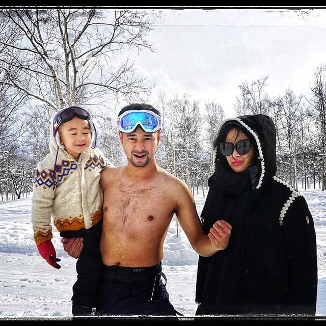 Telanjang Dada Di Tengah Salju, Raffi Ahmad Merasa Mirip