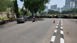 Suasana terowongan Apron Kemayoran yang tergenang air, Jakarta, Selasa (11/9). Terowongan Apron, Jalan HBR Motik, Kemayoran, Jakarta Pusat, tergenang air karena ada sumbatan di saluran air dari 2 minggu lalu. (Liputan6.com/Herman Zakharia)