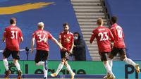 Selebrasi Bruno Fernandes usai mencetak gol penentu kemenangan MU atas Brighton (AP)