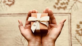 7 Rekomendasi Kado Pernikahan yang Bermanfaat