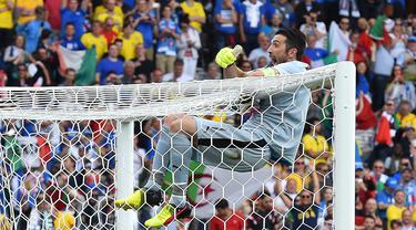 Berikut adalah daftar penjaga gawang yang mampu melakukan cleansheet terbanyak selama putaran final pagelaran Euro. (Foto: AFP/Vincenzo Pinto)