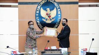 Selesaikan Sengketa Perbatasan Indonesia, Mahfud Md Beri Penghargaan ke Hadi Prabowo
