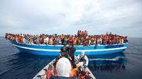 Menurut data UNHCR, hingga kini, ada sekitar 3.500 orang tewas tenggelam di Laut Mediterania.