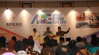 Wakil Ketua Umum Apkasi Saiful Illah saat memberi testimoni di peluncuran AOE19 didampingi Sekjen Apkasi Remigo Yolando Berutu (tengah) dan Kepala Divisi Humas Apkasi, Mirza Fichri MZ (kiri) di Jakarta, Kamis (1/11/2018).(Istimewa)
