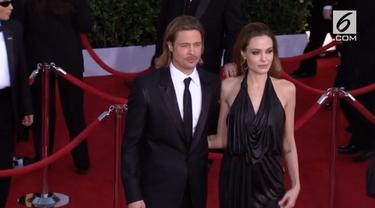 Sejak gugatan perceraian Angelina Jolie ke Brad Pitt 2 tahun lalu, hingga saat ini perceraian tersebut belum berakhir. Karenanya, Jolie ingin perceraiannya selesai akhir tahun ini.
