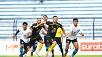 Suasana pertandingan uji coba Persela Lamongan vs Persebaya Surabaya. (dok. Media Officer Persebaya)