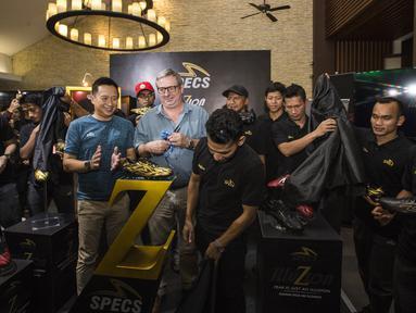 Suasana kemeriahan saat peluncuran sepatu Specs Illuzion di Restoran Terrace, Jakarta, Senin (4/6/2018). Sejumlah bintang Liga 1 Indonesia menghadiri peluncuran sepatu terbaru dari Specs. (Bola.com/Vitalis Yogi Trisna)