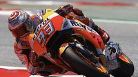 Pebalap Repsol Honda, Marc Marquez, menyusukuri podium ketiga yang diraihnya di MotoGP Belanda dan bertekad bangkit di balapan selanjutnya. (EPA/Alejandro Garcia)