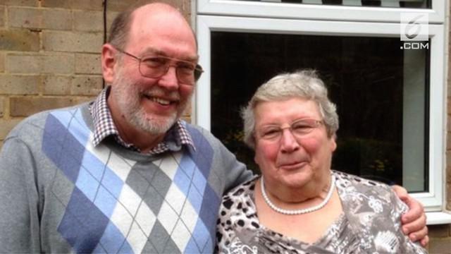 David dan Sue pernah bertemu di rumah sakit saat divaksinasi polio ketika masih bayi.