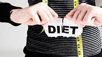 Bagaimana caranya meneguhkan hati supaya nggak tergiur sama makan-makanan lezat saat kamu sedang berniat diet? (Foto: britsbrothersgym.com)