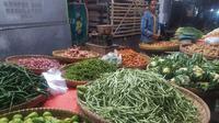 Sejumlah komoditas pertanian di Garut beranjak naik menjelang iduadha, namun akibat pelemahan ekonomi selama pandemi Covid-19, kenaikan tidak setinggi tahun lalu.(Liputan6.com/Jayadi Supriadin)
